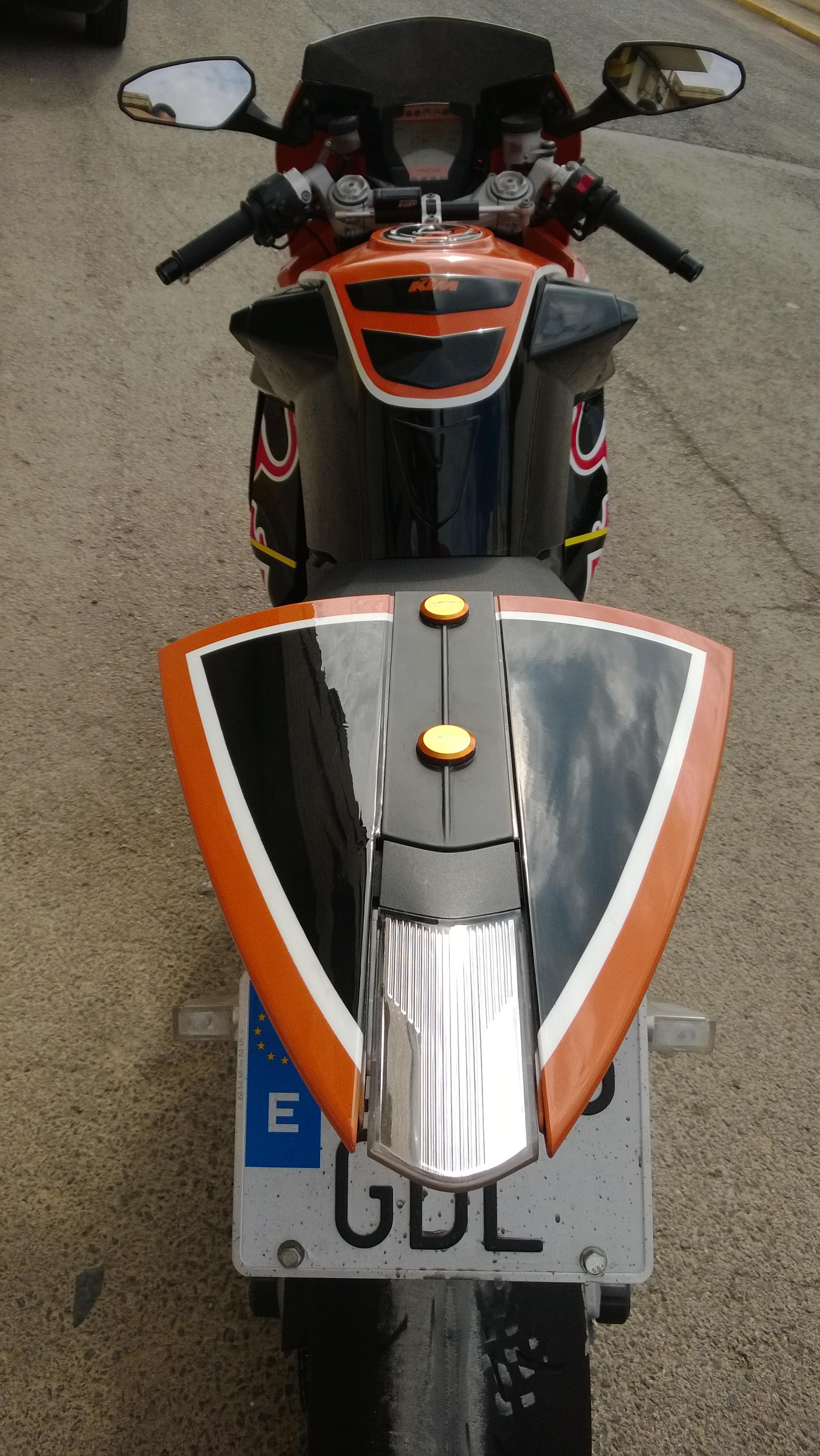 Pintura moto Ktm rc8 redbull