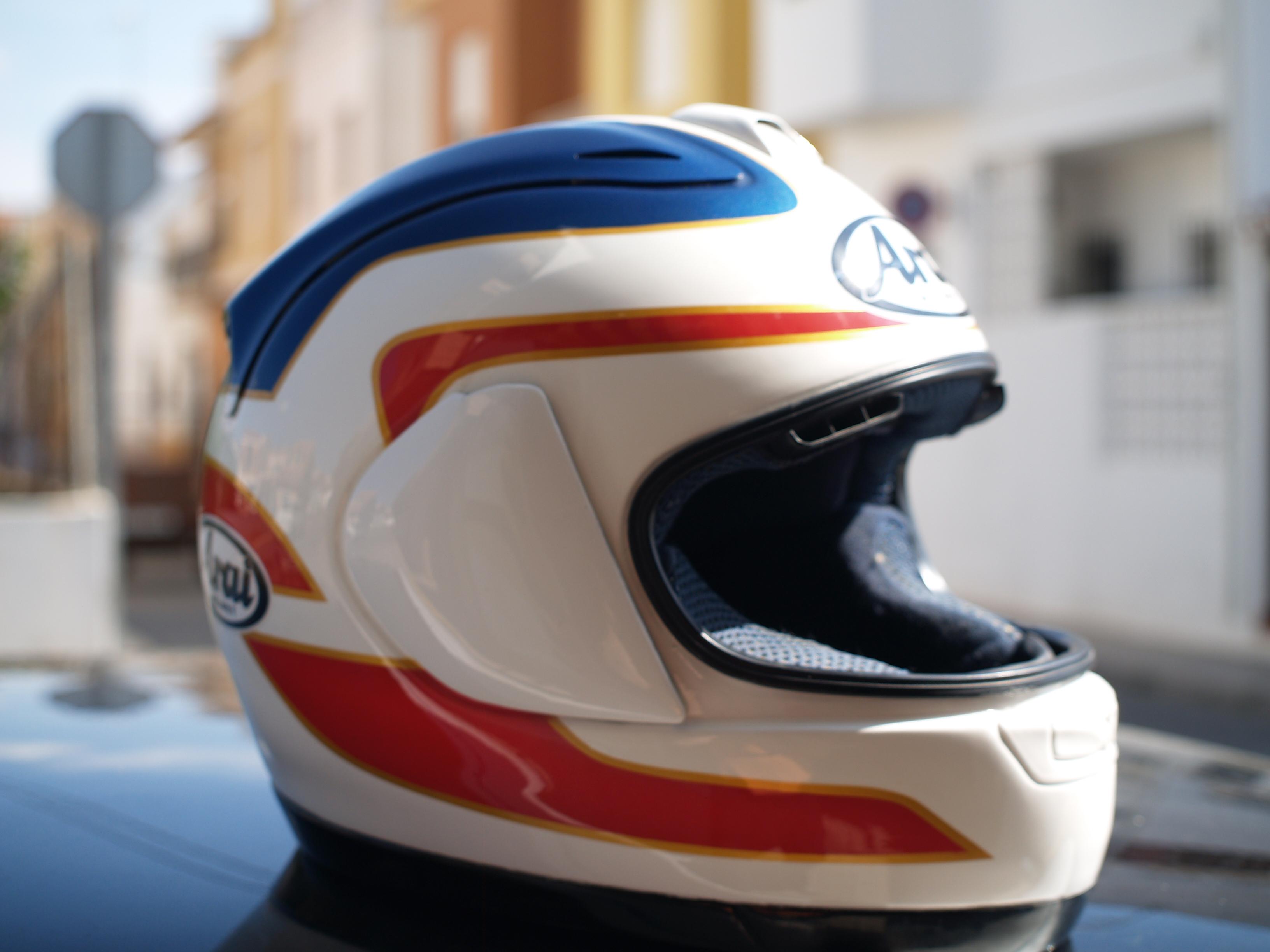 Pintura casco Arai RX-7 Freddie Spencer (Réplica)