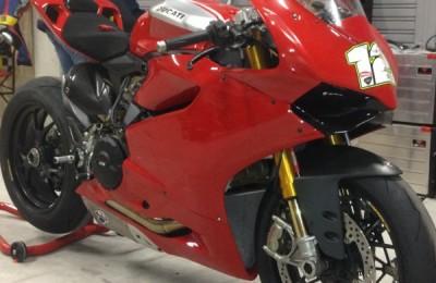 Pintura moto competición Ducati Panigale 1199.