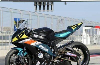 Pintura moto competición Yamaha r6 2008 superstock 600cc.