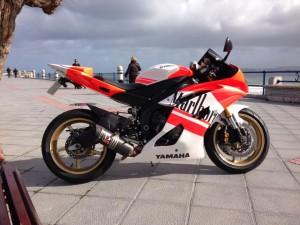 530843_229781110491986_1165464071_n-300x225 Especialistas en vinilos para motos, vinilos para cascos, vinilos para bicicletas.