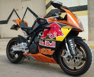 WP_20140626_002-e1463324461124-300x246 Especialistas en vinilos para motos, vinilos para cascos, vinilos para bicicletas.
